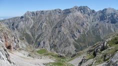 Pica y Picos de Jierru,el Valdominguero,La Morra de Lechugales,el Canalón del Jierru,Pico Cortés,desde la Horcada de Camburero,punto final de la terrorífica canal del Fresnedal.