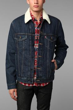 Levi's Sherpa Trucker Jacket   #UrbanOutfitters