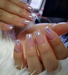 There are three kinds of fake nails which all come from the family of plastics. Acrylic nails are a liquid and powder mix. They are mixed in front of you and then they are brushed onto your nails and shaped. These nails are air dried. Nails Yellow, Rose Gold Nails, Pink Chrome Nails, Glitter Tip Nails, Glitter French Manicure, Gel Ombre Nails, Umbre Nails, Ombre French Nails, Long Nails