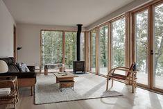 Peek Inside An Inspiring Country House in Finland (Nordic Design) Lakeside Cabin, Villa, Piece A Vivre, Nordic Design, Grey Walls, Wabi Sabi, Sofa Design, Design Bedroom, Design Design