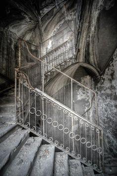 """rcruzniemiec:  """" l'architecture oubliée aurélien villette  """""""