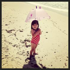 #daughter #precious #girl #baby #mine #adorable #loveyou #instagram #instadaily #instapic #beach #summer #umbrella #friends #forever #bub by tanika_joines