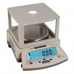 Balanza de laboratorio con paravientos. Función cuenpiezas. Precisión 0,01g. Capacidad hasta 1,2 Kg.