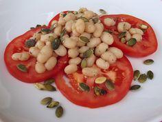 Witte bonensalade met tomaat, vegan: juli, augustus, september, oktober