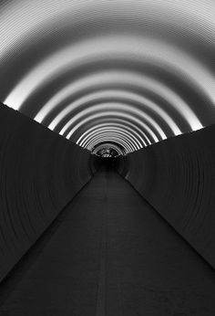 One point perspective photography Concentric circles / Side walls