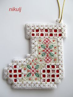 Humming Needles: Hardanger Ornaments - Readers's Creations