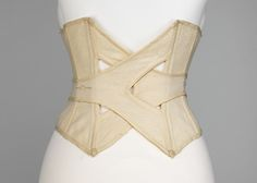 Would look cool in leather-A view of the back of this very awesomely constructed circa 1902 wool bathing corset. When you consider the cut of stylish turn of the century bathing suits it's easy to see why bathing corsets were necessary. Yoga Mode, Vintage Outfits, Vintage Fashion, Corset Pattern, Pattern Sewing, Pattern Draping, Fashion Details, Fashion Design, Creation Couture