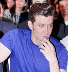 new top ten handsome hero Hrithik Roshan pictures - Life is Won for Flying (wonfy) Shah Rukh Khan Movies, Salman Khan, Hrithik Roshan Hairstyle, Famous Indian Actors, Aishwarya Rai Bachchan, Indian Man, Ranveer Singh, Most Handsome Men, Actor Photo