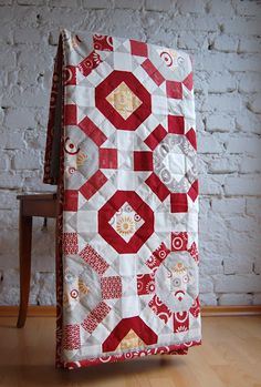 Single Wedding Ring/Star Quilt by Ulrike Kittel/lieblingsdecke - Love the color choices