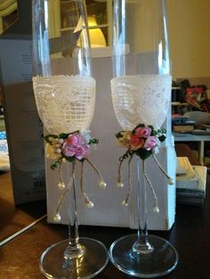 Bride and groom champagne classes.