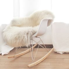 this longhair sheep skin is available in our GASPARD webshop! find our online kids store here: www.gaspard-by-cl.be
