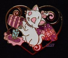 Disney HKDL - Sparkle Glitter Heart Shaped Aristocats - Marie and Perfume Pin