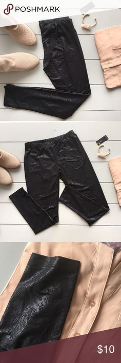 Snakeskin embossed leggings Black embossed snakeskin printed leggings in EUC. Small.             92% polyester, 8% spandex. Pants Leggings