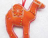 Day Felt camel ornament with beads Felt Christmas Decorations, Felt Christmas Ornaments, Christmas Crafts, Felt Crafts, Kids Crafts, Felt Bookmark, Camelo, Christmas Makes, Felt Toys
