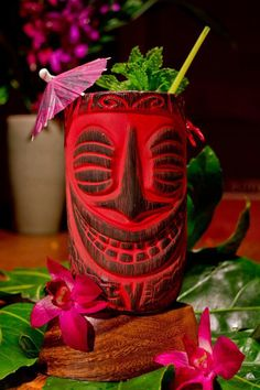 Tiki Kon mug.I have this exact mug! Tiki Art, Tiki Tiki, Vintage Tiki, Vintage Hawaii, Tiki Statues, Bamboo Bar, Tiki Decor, Tiki Lounge, Polynesian Culture