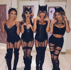 College halloween outfits group costumes How to Pull Off a Sexy Halloween Costume with Class Best Friend Halloween Costumes, Couple Halloween, Halloween College, Halloween Outfits For Women, Sexy Halloween Costume Ideas, Playboy Bunny Costume Halloween, Fancy Dress Costumes For Women, Catwoman Halloween Costume