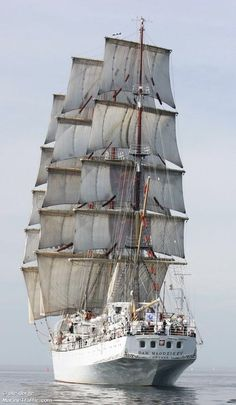 """""""DAR MLODZIEZY"""" is a Polish Full Rigged Ship – Built in 1982 and Used as a School Ship for Soon-to-Be Merchant Seaman – has a Crew of 44 with Accommodations for 30 - 120 Cadets Old Sailing Ships, Full Sail, Wooden Ship, Yacht Boat, Tug Boats, Submarines, Wooden Boats, Tall Ships, Beach Portraits"""