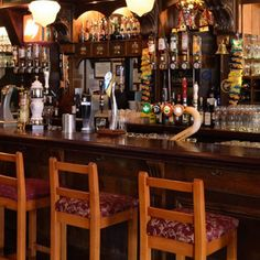 """Campaigners are urging people to keep up support for their local pub during """"typically quiet"""" January in a bid to prevent closures. Uk Pub, Dry January, London Pictures, London Pubs, Beer Bar, Wine Drinks, Good Company, Restaurant Bar, Craft Beer"""