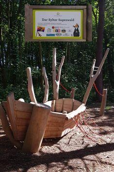 10 Tipps für Unternehmungen auf Sylt mit Kindern - Mamaleben Buggy, Decor, Dog Travel, Viking Ship, Enjoying The Sun, Miniature Golf, Child Care, Toddlers, Decoration