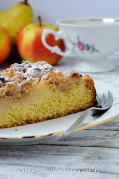 "Say ""hello autumn"" with pear and apple pie with zimtstreusel"
