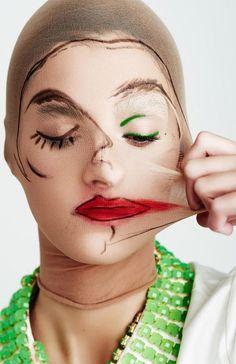 art fotografia Two-faced beauty schonmagazine - art Beauty Photography, Creative Photography, Portrait Photography, Fashion Photography, Makeup Inspo, Makeup Art, Makeup Ideas, A Level Art, Gcse Art