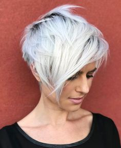 70 Overwhelming Ideas for Short Choppy Haircuts Edgy Silver Pixie With Long Bangs Short Choppy Layered Hair, Short Choppy Haircuts, Popular Short Haircuts, Short Hairstyles Fine, Short Grey Hair, Short Hair With Layers, Short Hair Cuts For Women, Layered Haircuts, Short Hair Styles