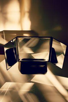 Tri-Stand Mirror van Make-Up Studio.