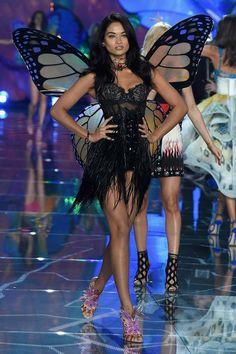 Shanina Shaik Victoria's Secret Fashion Show 2015 (Exotic Butterflies)