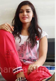 Beautiful Blonde Girl, Beautiful Girl Photo, Beautiful Girl Indian, Beautiful Indian Actress, Beautiful Actresses, Cute Beauty, Beauty Full Girl, Preety Girls, Desi Girl Image