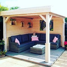 garten lounge Gartenlauben Gazebos A garden gazebo becomes an outdoor lounge and still protects against rain. But you need certain dimensions and have limited space. Garden Room, Apartment Garden, Home, Garden Seating, Outdoor Lounge, Patio Design, Garden Buildings, Wooden Gazebo, Building A Pergola