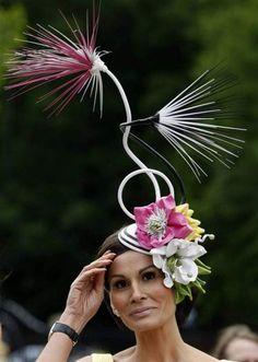 Strawy flowers hat