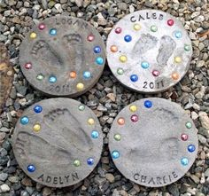 Kid Footprint Stepping Stones. Not only functional but also can be used to decorate your garden. Make the walk in your garden more exciting and fun. http://hative.com/creative-stepping-stone-ideas/