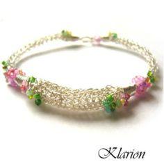 Tavaszi virágok karkötő, Ékszer, óra, Esküvő, Karkötő, Esküvői ékszer, Ezüstözött ékszerdrótból, Vikingfonással készítettem el a karkötő alapokat, amiket vidám..., Meska Wire Jewelry, Jewelry Findings, Beaded Bracelets, Rings, Pearl Bracelets, Ring, Wire Wrapped Jewelry, Jewelry Rings, Wire Wrap Jewelry