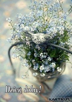 forget me not bouquet. Deco Floral, Arte Floral, Flowers For You, Beautiful Flowers, Summer Flowers, Beautiful Things, Forget Me Not, Jolie Photo, Blue Bird