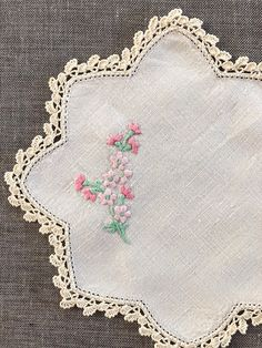 French Cotton Trim Woven Blossoms /& Hearts Vin