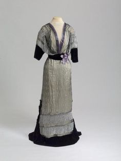 Evening Dress  1911-1913  State Hermitage Museum