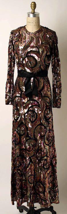 Evening Dress Mainbocher, 1937 The Metropolitan Museum of Art