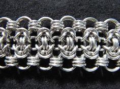 Elegante zilveren Chainmaille armband van MischiefOfMice op Etsy