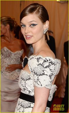 Bella Heathcote arrives on the red carpet at the 2013 Met Gala held at the Metropolitan Museum of Art on Monday (May 6) in New York City.    The 25-year-old Aussie…