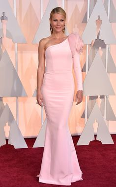 Gwyneth Paltrow from 2015 Oscars: Red Carpet Arrivals In Ralph & Russo Couture