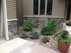 Rock the House, DIY Stone Veneer on House Exterior, How to install stone on home, how to add stone to house, how to install rock on house siding Stone Veneer Exterior, Faux Stone Siding, Stone Exterior Houses, Garage Exterior, Exterior House Colors, Stone Houses, Real Stone Veneer, Siding Colors, Rock Veneer