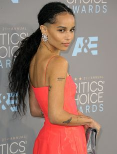 Zoe Kravitz's hairdo Lisa Bonet, Zoe Kravitz Braids, Zoe Kravitz Tattoos, Zoe Kravitz Style, Lenny Kravitz, Hard Rock, Black Is Beautiful, Beautiful People, Zoe Isabella Kravitz