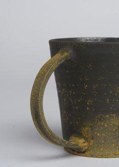 Takeshi Omura / for Analogue Life Glazes For Pottery, Pottery Mugs, Ceramic Pottery, Japanese Ceramics, Modern Ceramics, Ceramic Decor, Ceramic Cups, Ceramic Fiber, Pottery Workshop