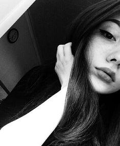 My face/ meu rosto Teenage Girl Photography, Tumblr Photography, Girl Photography Poses, Photography Business, 1990s Photography, Photography Reflector, Umbrella Photography, Better Photography, Classic Photography