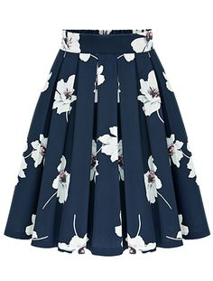To find out about the Flowers Print Chiffon Pleated Navy Skirt at SHEIN, part of our latest Skirts ready to shop online today! Chiffon Rock, Print Chiffon, Chiffon Skirt, Dress Skirt, Floral Chiffon, Navy Pleated Skirt, Suede Skirt, Flared Skirt, Skirt Outfits