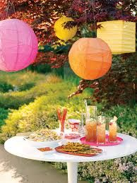 Colourful and fresh paper lanterns from Sunset, outdoor brunch,  photo by Jeffrey Cross, www.myhomeideas.com