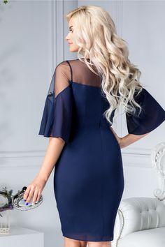Image gallery – Page 754986325007766082 – Artofit Party Dresses For Women, Fall Dresses, Simple Dresses, Pretty Dresses, Evening Dresses, Short Dresses, Fashion Wear, Fashion Dresses, Womens Fashion
