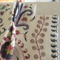 Cutaway return to fit around boxing next to the window by Sonia Whiteman Soft Furnishings Curtain Headings, How To Make Curtains, Cutaway, Soft Furnishings, Boxing, Window, Fit, Style, Swag