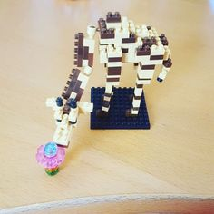 "8 mentions J'aime, 1 commentaires - Brianna Scharrer (@breezyshhrawr) sur Instagram: ""#giraffe #nanoblock #lego #cute"""
