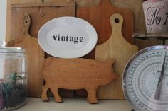 What's Selling in Vintage & Antiques February 2018 Income Report